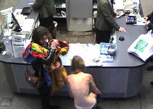 Видео парень и девушка снимают с себя одежду фото 91-121