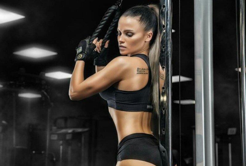 Смотреть онлайн порно с девочками в фитнес