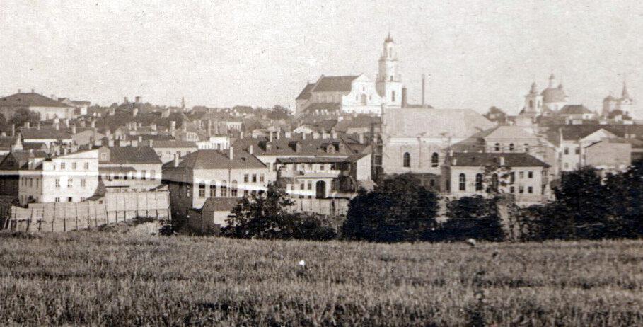 на месте неповторимого еврейского квартала школьный двор в
