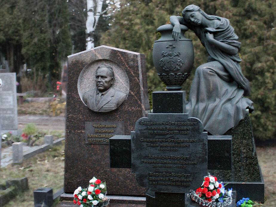 Заказать надгробный памятник путину цены на памятники самара ш