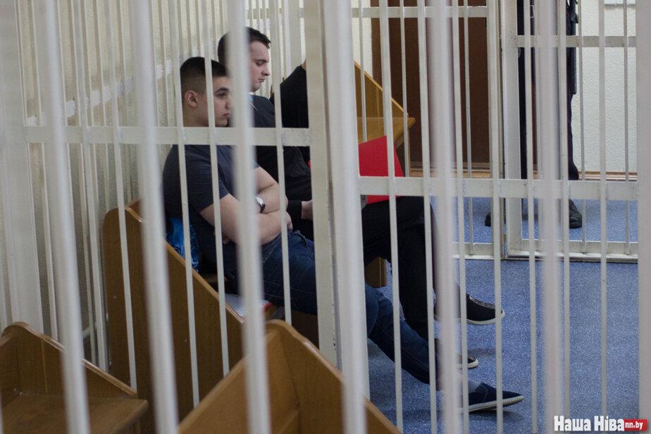 «Приказал облизать ершик для унитаза». Начался суд по делу Коржича: открываются подробности издевательств