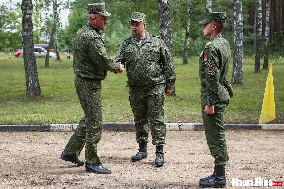 Андрей Жук — слева