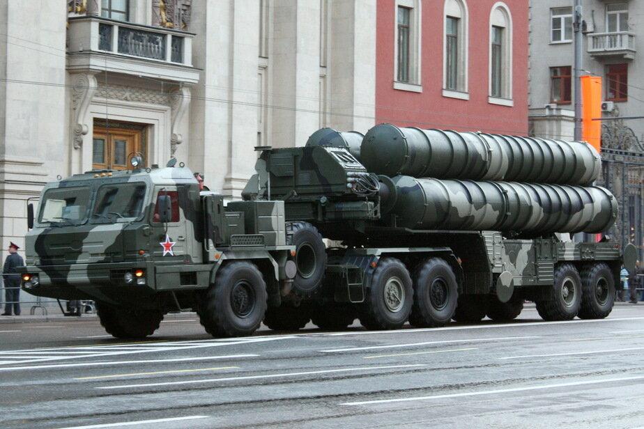 Image result for Путин предложил Саудовской Аравии купить российские ракетные комплексы, чтобы защитить нефтяные объекты