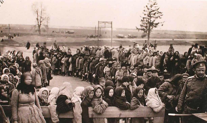 Тут і далей: фота з кнігі «Бежанства 1915. Забытыя ўцекачы»