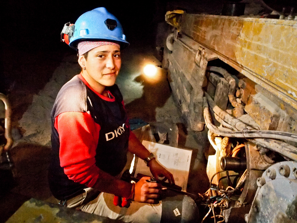 Работа в шахтах для девушки марина паламарчук